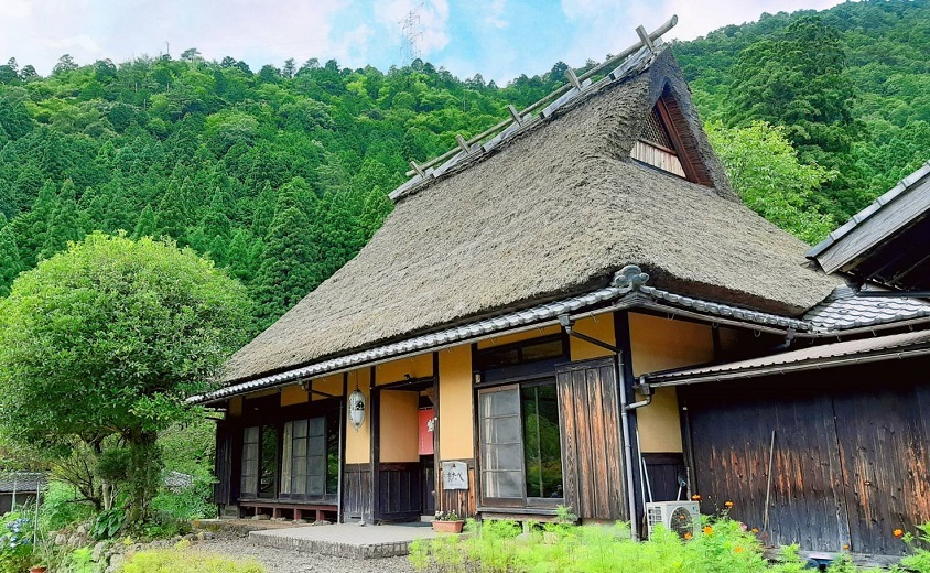 Matabe thatched B & B